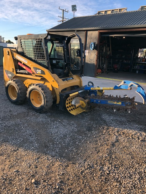Cat Skid Steer - 150mm chain trencher